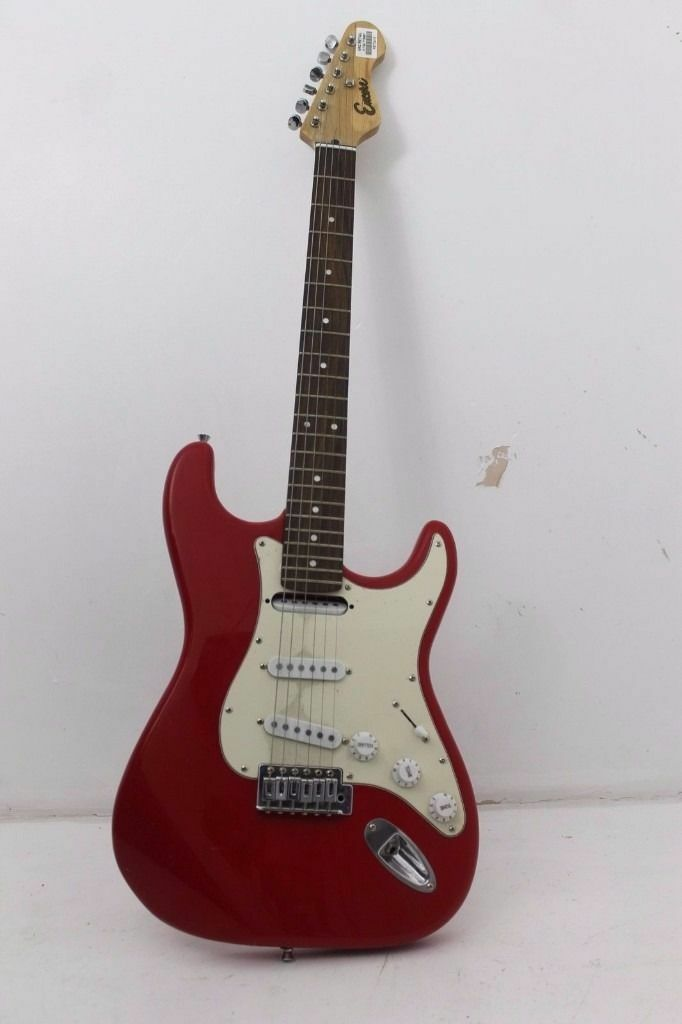 """ENCORE ELECTRIC GUITARGLOSS RED, postage and packaging availablein Plymouth, DevonGumtree - ENCORE ELECTRIC GUITAR – GLOSS RED Complete and in good condition possibly an """"JHS encore E6"""" replica"""