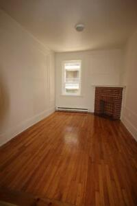 3.5 unit avail Immediately or Later - ATWATER - Westmount Adj.