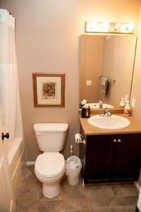 Lakeridge Fully furnished Condo- 1 Month free & 3 months reduced Regina Regina Area image 2