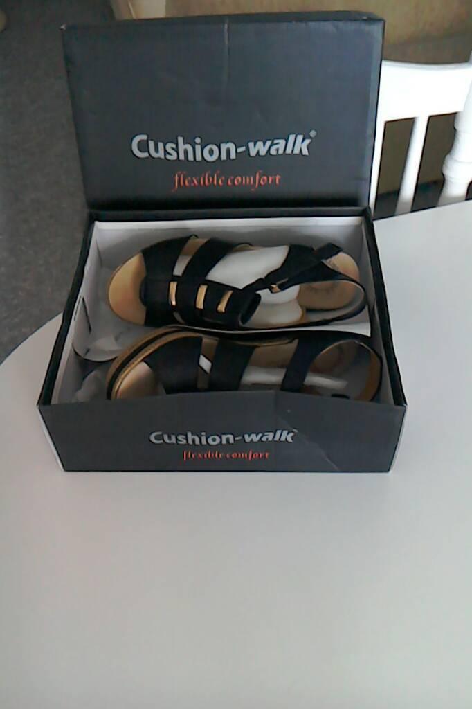 Cushion walk Sandles