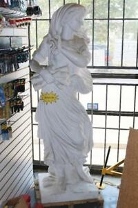 Pure Marble Lady Statue - RARE PIECE OF ART (Brand New)