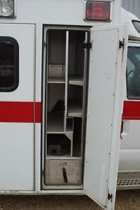 2002 Ford E-350 Ambulance Other Strathcona County Edmonton Area image 8