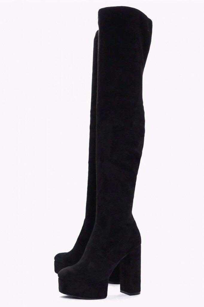 Boohoo Black knee high velvet platform boots Size 5
