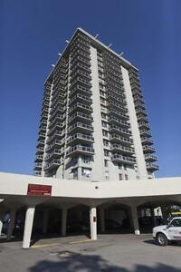 Harbour Towers - 35 Brock St - Waterfront 2bd