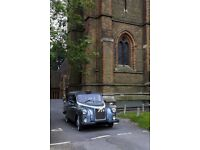 Iconic London Fairway Taxi Black Cab Wedding Hire