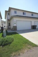 Well cared for Townhome that is MOVE IN ready!!