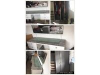 3 door wardrobe and dressing table