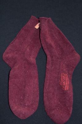 RARE VINTAGE DEADSTOCK  COLLECTIBLE 1920'S WOOL, FOX & WOLF FUR SOCKS SIZE 11 (1920s Mens Socks)