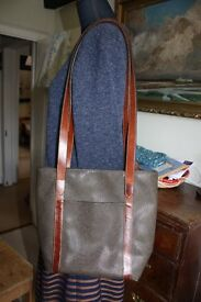 BEAUTIFUL VINTAGE MULBERRY SHOULDER BAG - LOVELY CONDITION