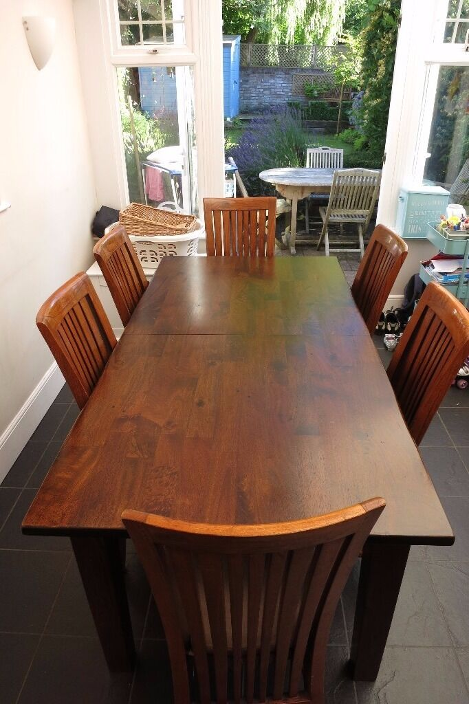 Cargo Hartham Round Dining Extending Table And 4 Wooden