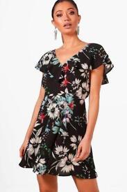 Brand new size 10-12 BooHoo dress