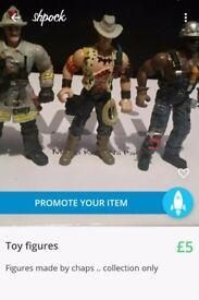 Toy figures (2)