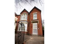 York Avenue, Sefton Park - Three bed fully renovated and furnished. Three bed apartment for sharers