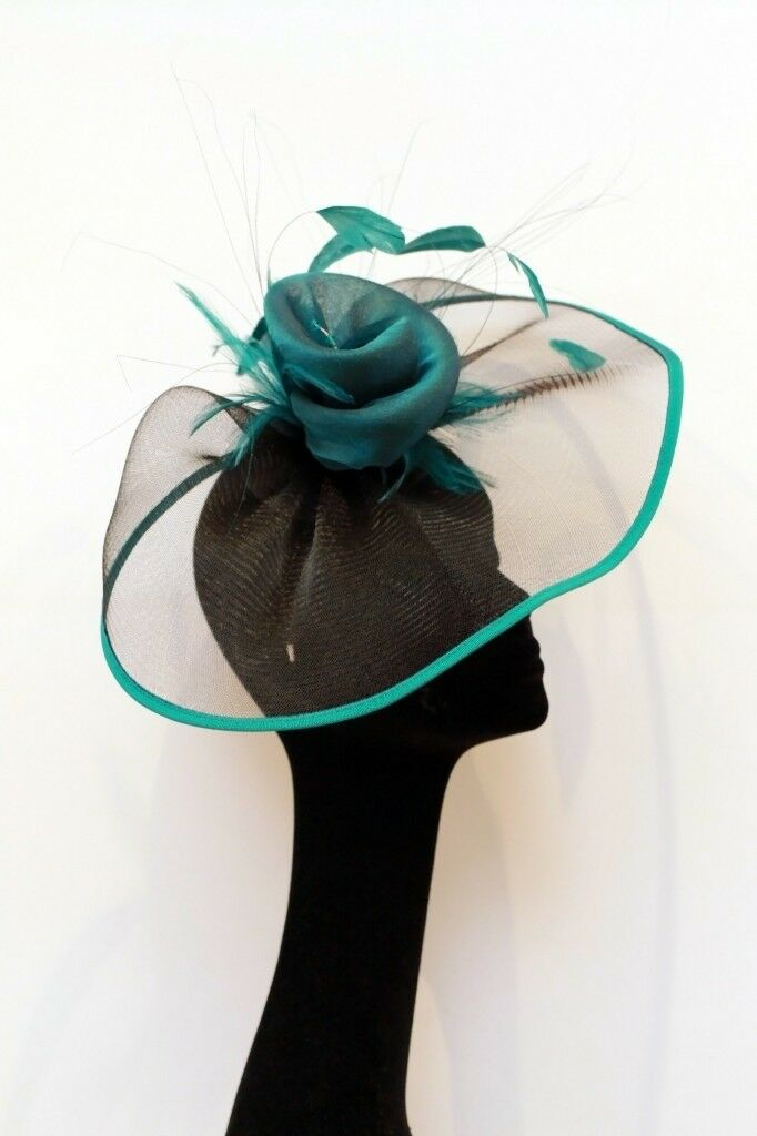 NEW  Stunning hat  fascinator  head piece in jade green for Ascot ... ad0292cf6fe