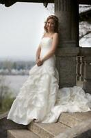 Pallas Athena Bridal Wedding Gown Ivory 6 strapless with ruching