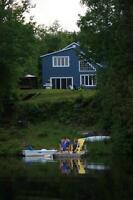Superbe chalet à louer bord de lac à St-Donat (saison d'été)
