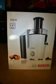 Bosch 700W extra large Fruit Juicer