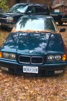 1993 BMW 318i  5spd green Sedan reduced!