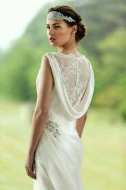 True bride wedding dress
