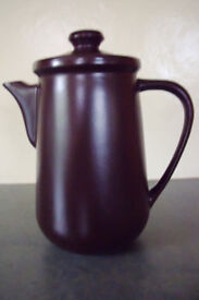 Vintage (1970s) Honiton Pottery brown coffee pot and lid/brown interior. Excellent conditon. £5 ovno