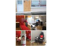 Beauty room & nail desk to rent