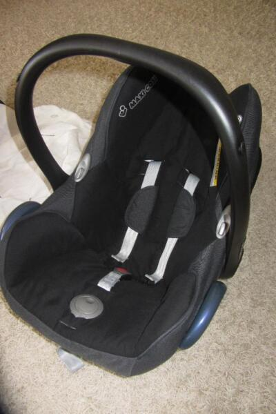 maxi cosi isofix incl basisstation und extras in. Black Bedroom Furniture Sets. Home Design Ideas