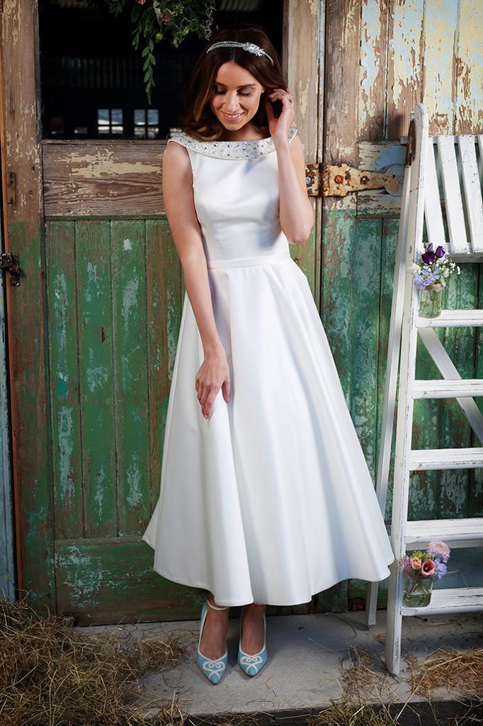 Wedding Dress designer Amanda Wyatt Aria 1950\'s style Ivory Size 12 ...