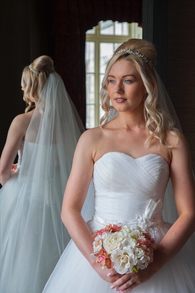Wedding Photography ** Special offer ** 30% off 2018 dates