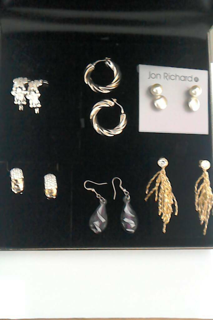 Earrings selectionin Cambridge, CambridgeshireGumtree - 6 pairs of assorted earrings, most never worn