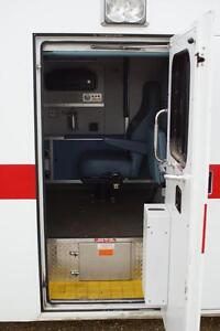 2002 Ford E-350 Ambulance Other Strathcona County Edmonton Area image 7