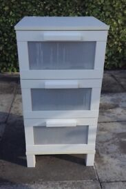 WHITE 3 DRAWER CHEST
