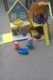 Peppa Pigs foldaway house