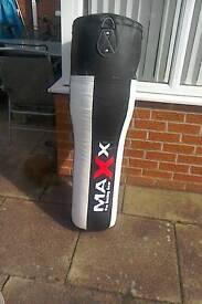 Maxx pro punch bag