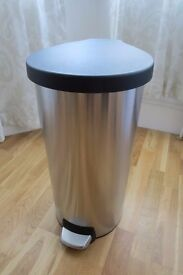 Simplehuman Unibody Round Brushed Steel Pedal Bin - 30L - excellent condition, well cared for, clean
