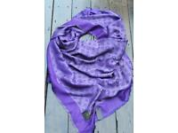 New woman's Louis Vuitton Shawl Wrap Scarf with tag rare colour purple with silver