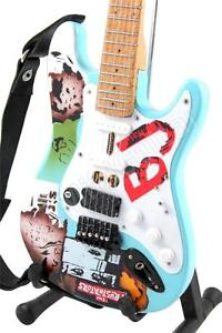 Miniature Guitar Billie Joe Armstrong GREEN DAY & Strap