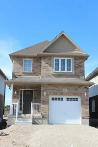 BEAUTIFUL 3 Bedroom House - Elmira, ON - Only $1849/month!