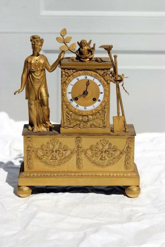 Neoclassical French Ormolu Gilt Bronze Mantel Clock