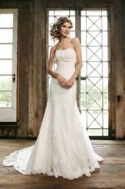 Sincerity 3664 Ivory Lace Wedding Dress size 10/12