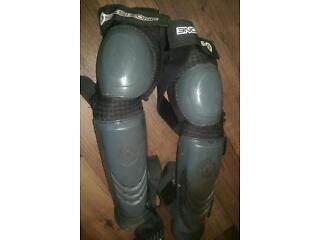 Sixsixone downhill knee and leg pads brand new