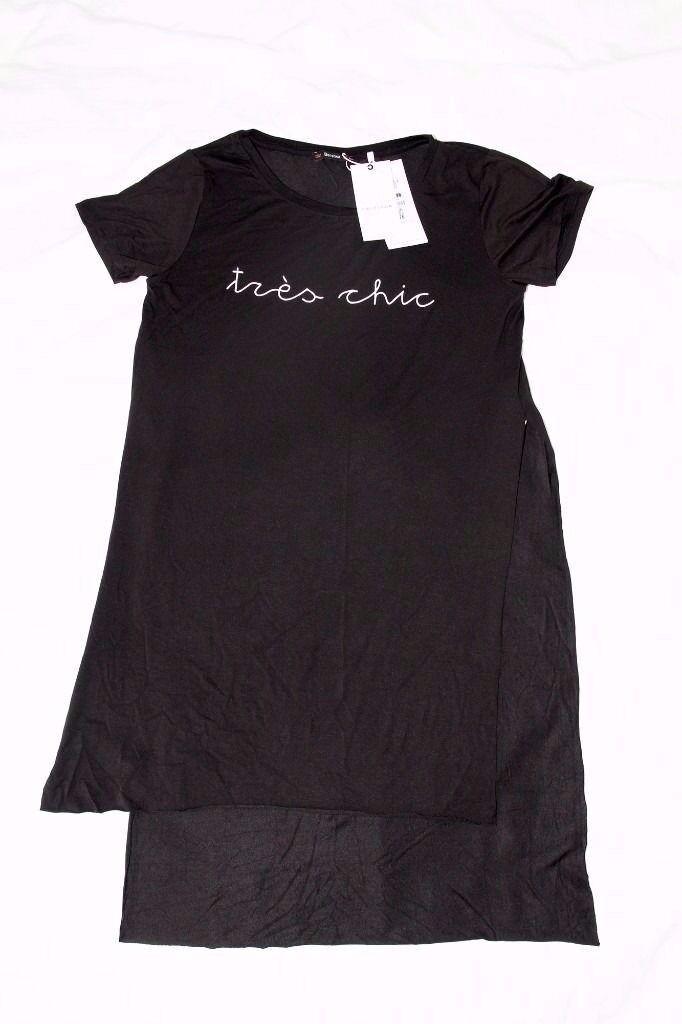 Stylish Ladies Bershka London Blouse Size L in Black Short Sleeved Side split - NEW! Never been worn