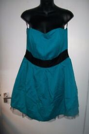 VERY ELEGANT TURQUOISE STRAPLESS DRESS SIZE 16 GREAT FOR CHRISTMAS OR NEW YEAR PARTY