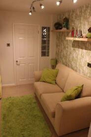 """Double """"Studio"""" room in family home - MON to FRI only"""