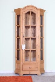 DELIVERY OPTIONS - LOVELY CONDITION PINE DISPLAY CABINET WITH SHELVES & DRAWER