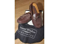 SIZE 9 BROWN LEATHER LOAFER FOR SALE BRAND NEW