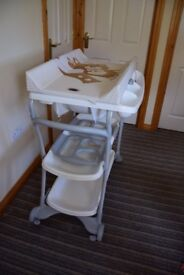 Baby changing table with a baby bath