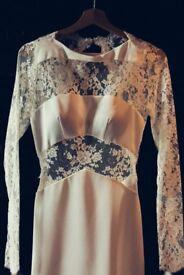 Parisian Style Long Sleeved Backless Wedding Dress Size 8/10