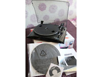 Vynil Record to C.D. Conversion Turntable.