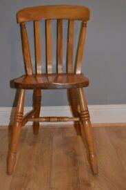 6x Farmhouse kitchen chairs