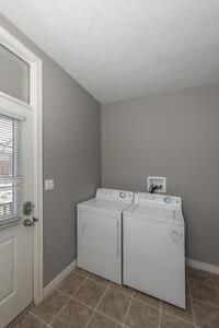 GORGEOUS 2 BEDROOM APARTMENT BY WORTLEY London Ontario image 3